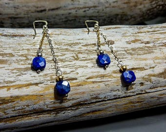 Boucles d'oreilles Lapis-lazuli – Or jaune* et argent 925, chaine fine, pierres fines naturelles, semi-précieuses, bijou artisanal