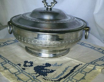 Vintage Aluminum Casserole Dish, Covered Casserole, Buffet Dish with Divided Glass Insert