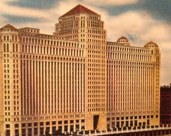 ON SALE Chicago Illinois IL 1940's Vintage Linen Postcard Merchandise Mart Old Ephemera Never Mailed