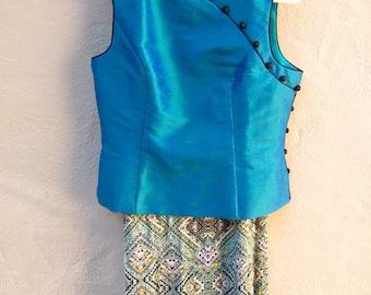 Asian SILK blouse / 90s shantung Cheongsam / teal aqua blue turquiose sharkskin / sleeveless qi pao top mandarin collar / small medium