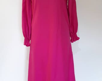 Vintage 70s maxi evening dress with turtle neck long sleeves from the 70s small