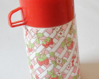 1 Vintage Strawberry Shortcake Pink/Red/White Plastic Lunch Box Aladdin Thermos - Retro Cartoon Kids Thermos, School Lunchbox Container