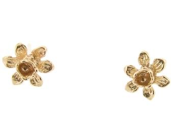 9ct Yellow Gold Daffodil Stud Earrings