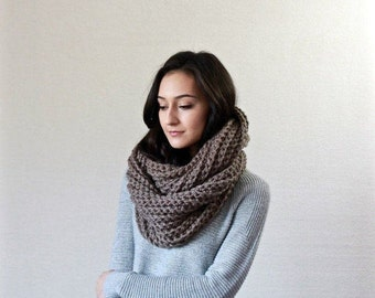 Le Fleur - TAUPE // chunky knit infinity scarf . infinity loop scarf . chunky infinity circle scarf