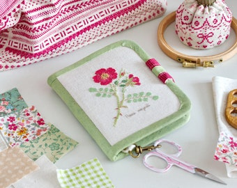 Handmade Needles-And-Tools Organizer for cross stitcher (Rosa moyesii) / needlebook / embroidered organizer