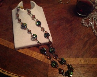 stunnng Vintage 1940-50s multi cclor Crystal Glass Necklace Aurora Borealis