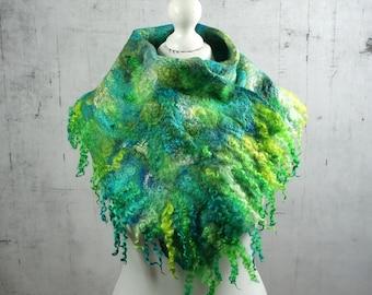 felted collar, handmade felted scarf, shawl, merino wool, feltmondo