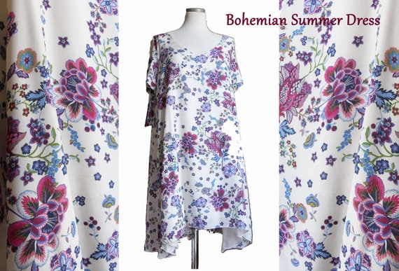 Summer dress, white cotton with big flowers embroidered. Long sleeves. Beautiful dress for the beach!
