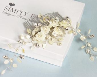 Bridal hair comb,  decorative comb, flower hair comb, bridal headpiece, hair Jewelry,  winter wedding, bridal hair adornment, accessories