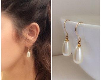 Cream Pearl Earrings , Dangle pearls Earrings , Gold Pearl Earrings , Wedding Jewelry , Bridal Jewelry , Bridal Earrings , Drop Earrings