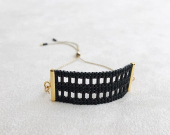 Beadwoven Adjustable Gold Chain Bracelet in Black Lattice