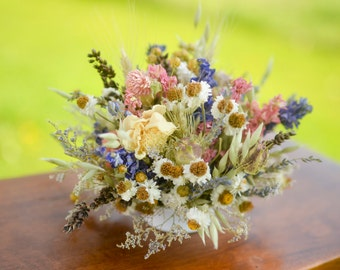 Spring wildflower wedding cake topper, wildlfower wedding, pink and purple wedding, dried flower wedding, spring wedding