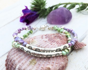 Pearl bracelet in lavender and green
