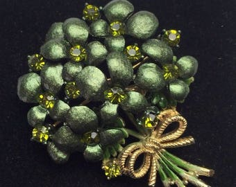 Lovely Green Bouquet of Flowers in a Brooch ~ Deep Emerald Green Rhinestones Set Inside Pin Giving Just the Right Amount of Sparkle