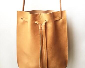 Handmade Vegtan Leather MIRO Bucket Bag