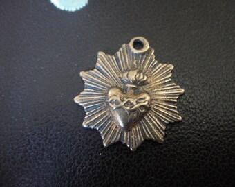 2 pc antique bronze sacred heart charm connectorbronze sacred antique bronze sacred heart charm pendantbronze sacred heartheart aloadofball Images