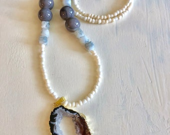 Neutral Colored Agate Necklace