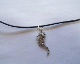 Seahorse choker
