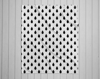 Black and white rain drop pattern modern plush throw blanket with white back