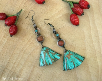Copper earrings with green patina Boho green patina earrings Textured copper sheet earrings Copper fan earrings Brown and green earrings