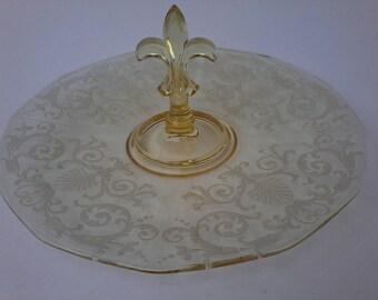 Vintage 1928-44 Fostoria Yellow Glass Versailles #2375 Center Handled Tray
