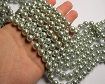 Pearl - 10 mm round - soft silvery Pearl - 1 full strand - 40 beads - SPT10 - Shell pearl