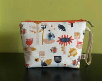 """Handmade small zipper purse for notions and accessories 8.5"""" x 6.5"""" x 6"""" x 2""""  *Graphical Forest*"""