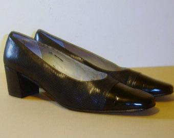 VanEli Manula Black Fab Patent Pump 11S (AAA) 2 Inch Heel