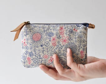 Small Zipper Pouch, Card Pouch, Small Zipper Wallet, Change Purse ~ Pompon
