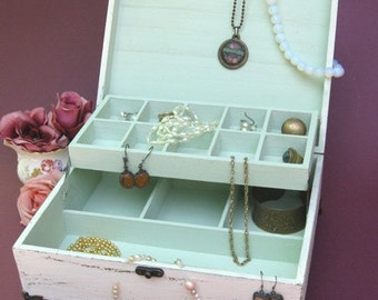 "Wooden Jewelry Box Creamy-Dreamy  ""Shabby Chic"" , jewelry cabinet, jewelry storage"
