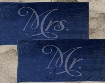 Set of 2 navy Mr. and Mrs. Beach Towel Set for the honeymoon, Mrs. Beach Towel, Mr. Beach Towel, engagement gift, Destination wedding towels