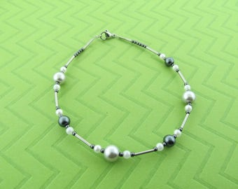 stainless steel glass pearl anklet. avail in 9.5 and 10.5 inches