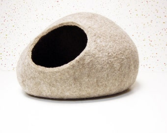 Pet bed / Cat bed / Cat cave / puppy bed / cat house / pet furniture / cat nap cocoon. Beige color felted cat bed XS, S, M, L or XL sizes