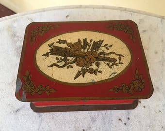 French toleware red box