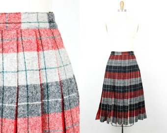 Vintage 1950s plaid skirt . Winter Berry . grey and red reversible skirt . plaid 50s skirt