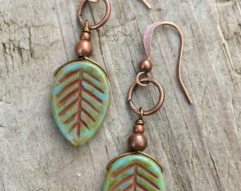 Nature jewelry, leaf earrings, dangle earrings, green earrings, nature lover gift, gift for her