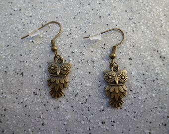 Lovely nugget earrings in antique bronze