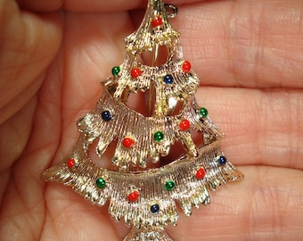 Vintage GERRYS Gold  Tone Christmas Tree pin with Enameled Ornaments .