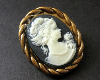 Dark Purple and White Cameo Cabochon Shank Button. Rope Frame Cameo Button in Bronze. Resin Button - 35mm x 28mm  (Qty 1)