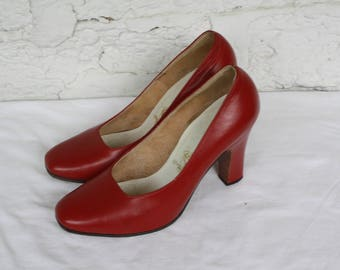 1940s Red Leather Pumps / Vintage Red High Heels / Lees Okinawa Shoes / Vintage Red Leather Pumps / Vintage 40s Red High Heels 6