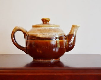 Mini Brown Betty teapot; 1 Cup, Made by Northland Stoneware Engres Japan, Brown and Cream Stripe