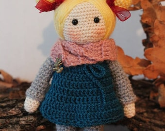 Amigurumi doll - pocket doll