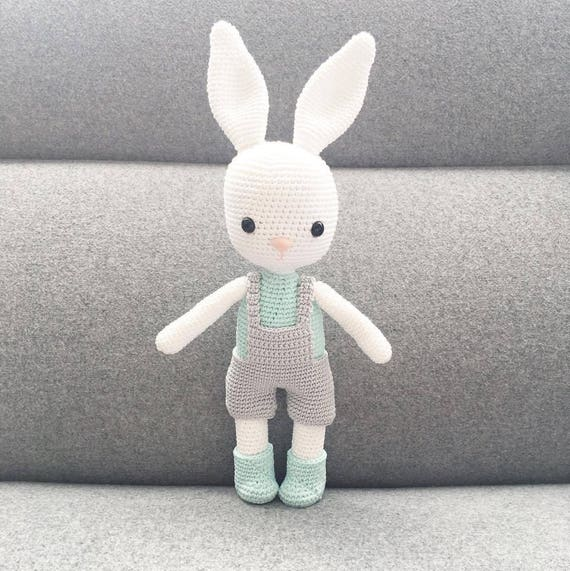 Wilbur the Bunny Amigurumi Pattern