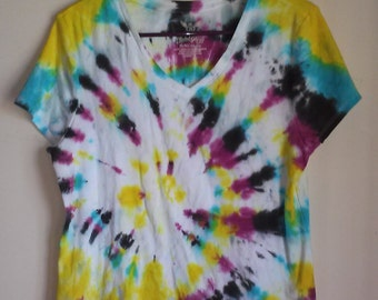 Women's XL Tie- Dye V Neck Shirt     Tye Dye Shirt // Women's V-Neck // V- Neck Tie Dye // Fall Colors