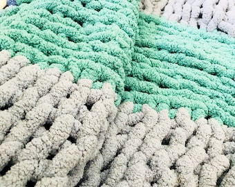 Light Teal & Sky Blue Throw Blanket/Oversize Chilunky Yarn Blanket