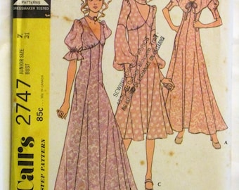 RARE Vintage 1970s McCall's 2747 Boho DRESS in 3 Versions and Choker Sewing Pattern UNCUT Size 7 Bust 31