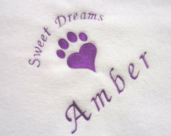 Personalised Cat Blanket, Fleece Pet Blanket, Kitten Blanket, Gift for Cats. Cosy Snuggly Cat Bedding White Blanket with Any Name
