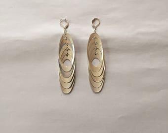 minimalist dangle drop earrings || geometric silver tone oval dangle earrings