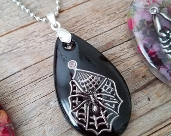 Resin jewelry, resin pendants, resin charm, resin necklace, spider jewelry, spider pendant, spider web, rhinestone jewelry, gothic jewelry