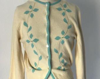 Vintage 1950's Intarsia Wool Knit Cardigan l S